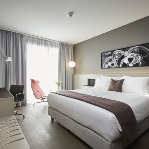 http://moderntimes-hotel.com/application/files/thumbnails/thumb_list_2x/5314/8767/1309/chambre_superieure.jpg